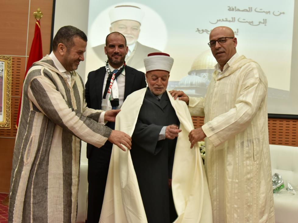 Photo of لقاء مفتوح مع فضيلة الشيخ محمد حسين مفتي فلسطين وإمام المسجد الأقصى